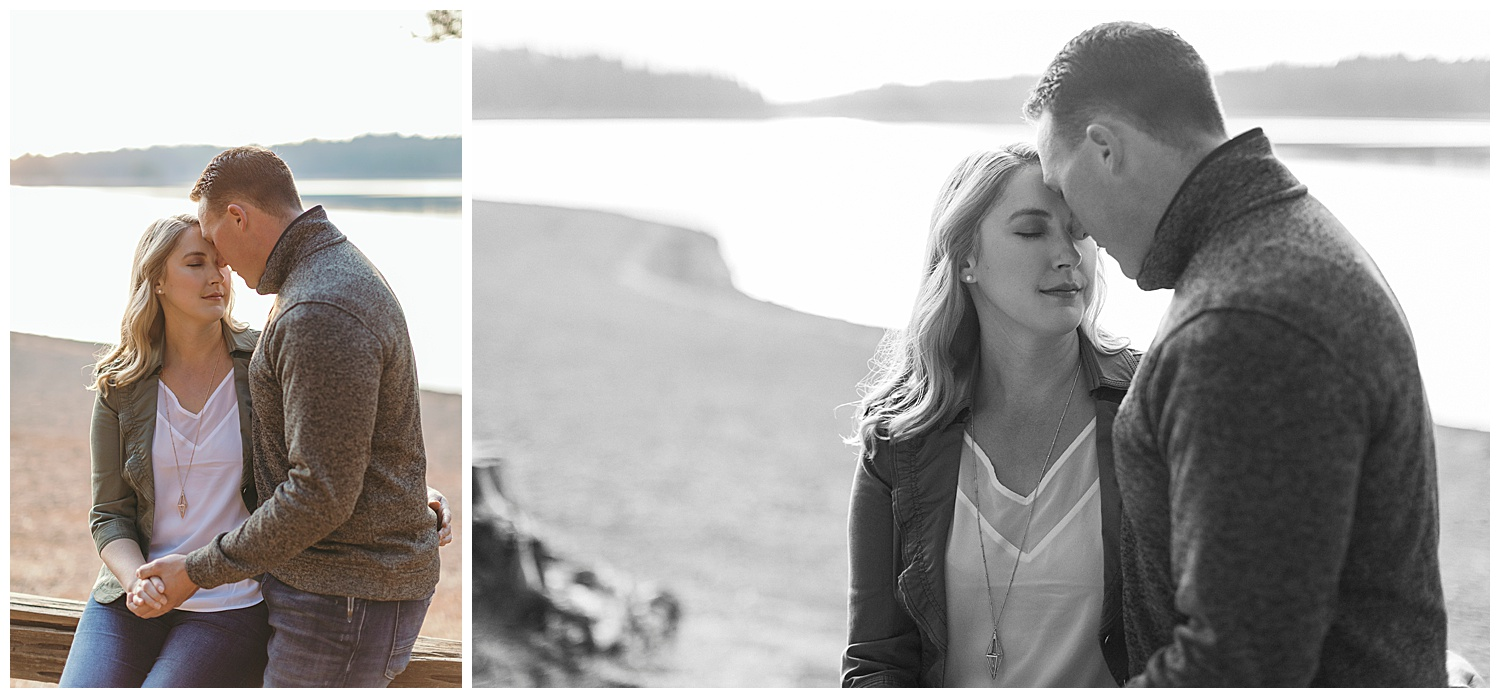 Engagement pictures at Jenkinson lake
